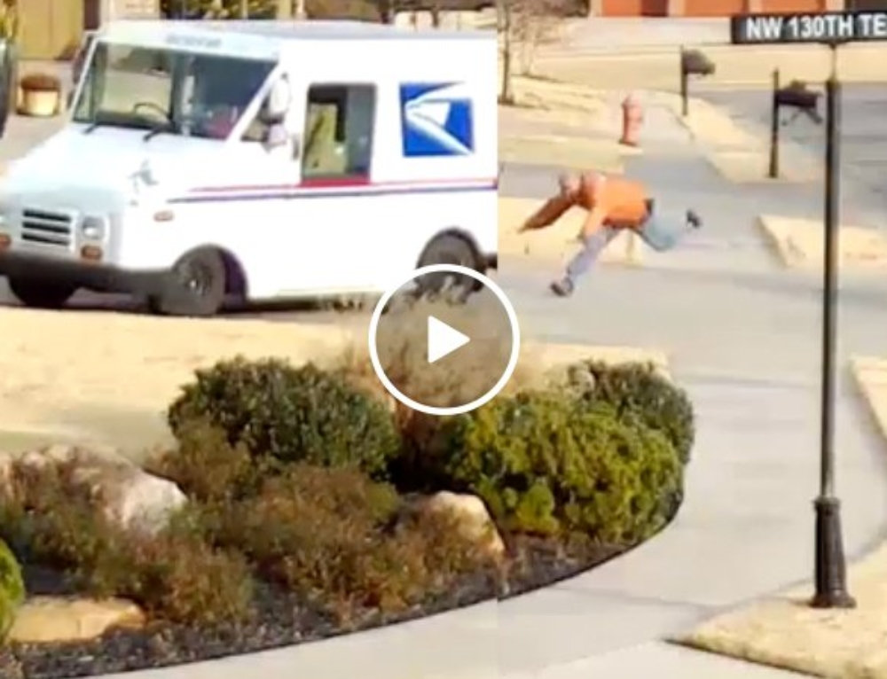 USPS driver has a delivery he'll never forget (Video)